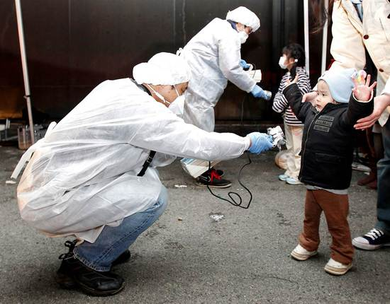 2011-03-13-childradiationFukushima-thumb.jpg