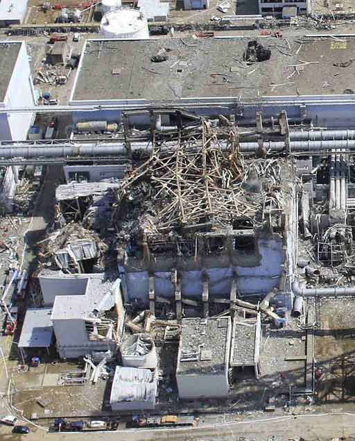Fukushima-unit-3The pool at unit 3 contained almost an entire reactor core of spent fuel.jpg