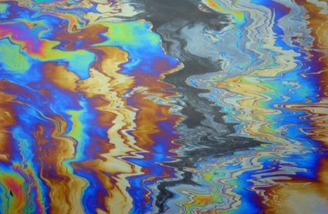 rainbow-oil-slick-water-pollution.jpg